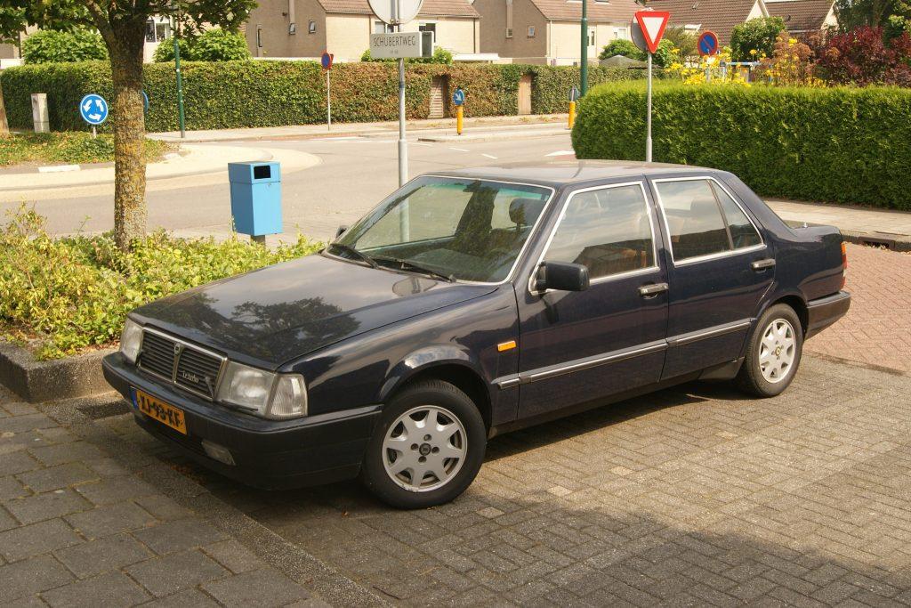Lancia Thema HQ