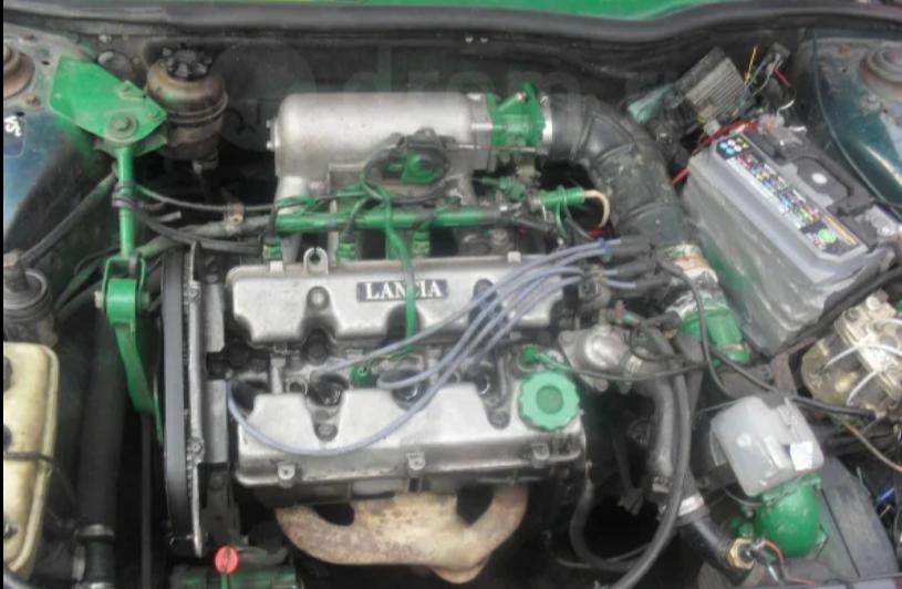 Lancia Thema 2.0 Engine